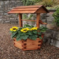 Hutton Wishing Well Planter
